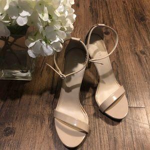 Express tan heel - size 6